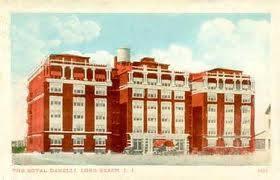 Royal Danelli apartments, Lincoln Blvd & E. Broadway