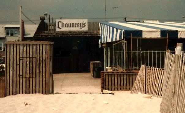 Chancey's Bar, beach entrance