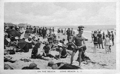 postcard: crowd on beach
