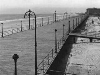 empty boardwalk at foundation block, 1909