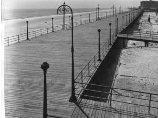 empty boardwalk, 1909