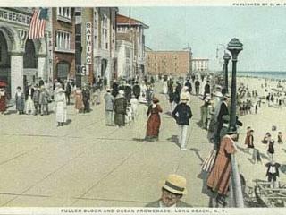 postcard: Fuller Block Promenade, 1910