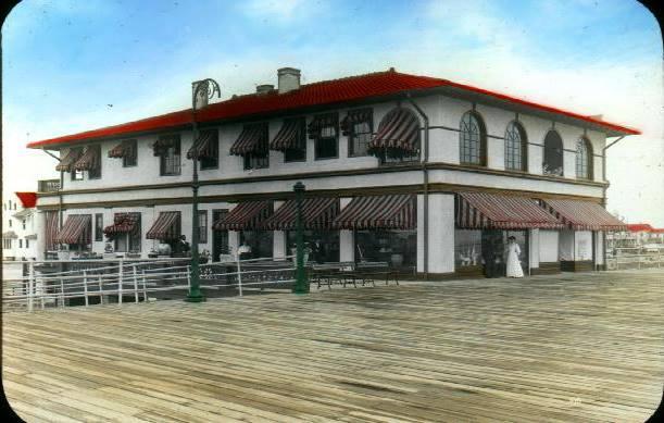 Fuller Building on boardwalk, 1910