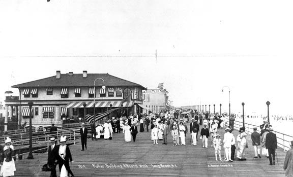boardwalk near Fuller Building, Riverside, 1914