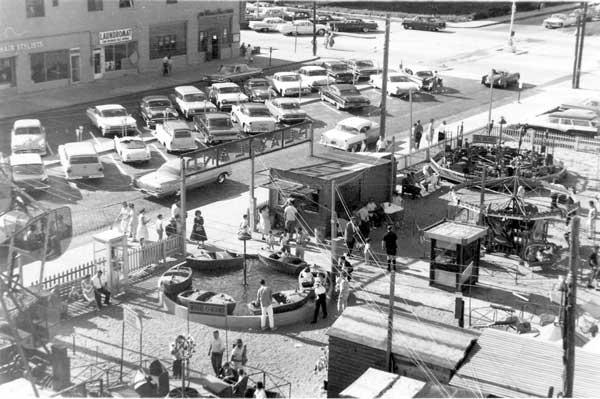 aeriel view on amusements near boardwalk