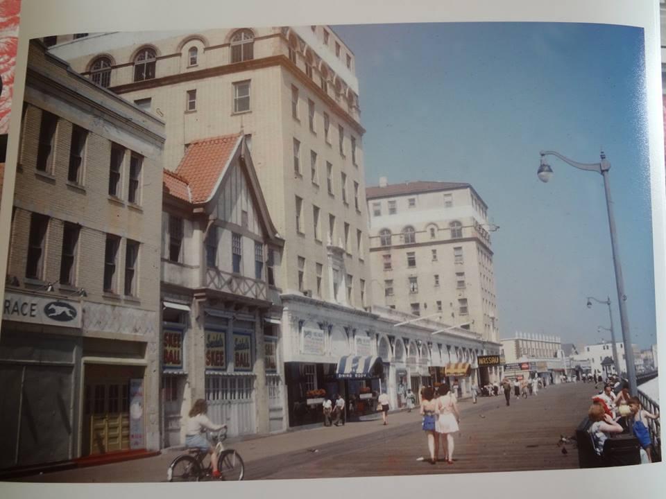 storefronts on boardwalk